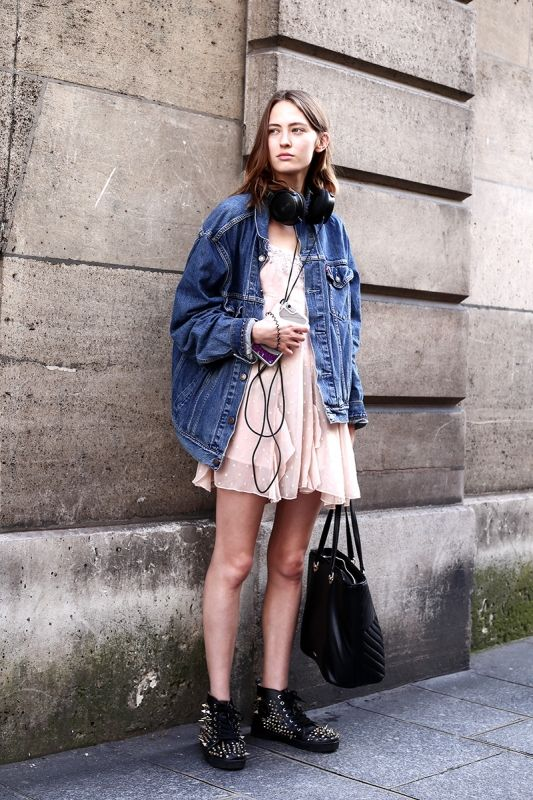 パリスナップ:初夏のパリはストリートムード!   FASHION   ファッション   VOGUE GIRL