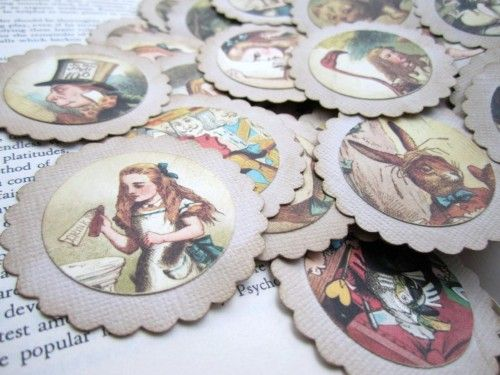 The timeless story of Alice in Wonderland are brought back in these favor tags. Use it as a gift tag, scrapbook embellishment, attach it to a favor or a thank you note. This adventurous Alice in Wonde