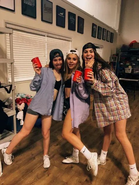 82 Popular Halloween Costumes For College Students That You Need To Copy Cute Group Halloween Costumes Halloween Costume Outfits Easy Halloween Costumes