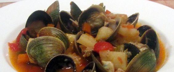 Un tuffo nella Manhattan Clam Chowder, la zuppa di vongole americana | CipolleRosse.it