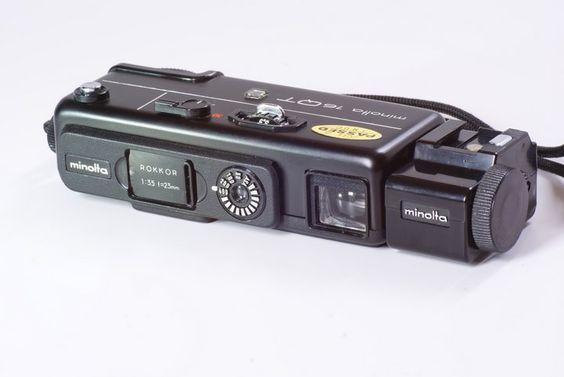 Minolta 16QT. Camara Sub-Compacta de rollo 16mm. Dos velocidades de obturacion. Apertura maxima f/3.5.   $100 US