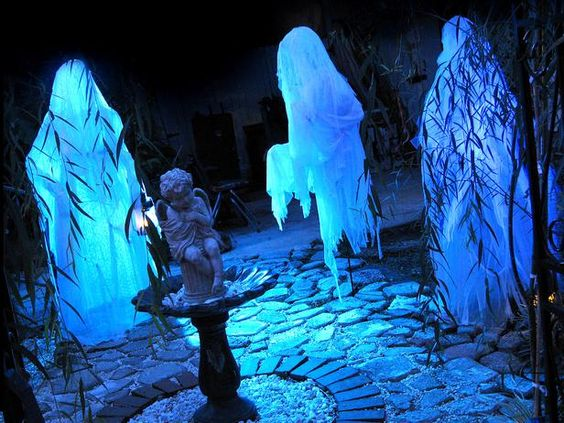 How to Make Human-Size Ghosts | DIY Network #halloween