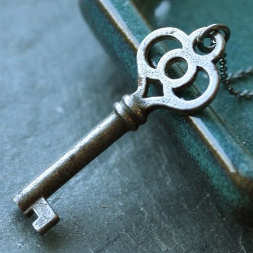 LOVE THESE OLD FASHIONED KEYS!!!