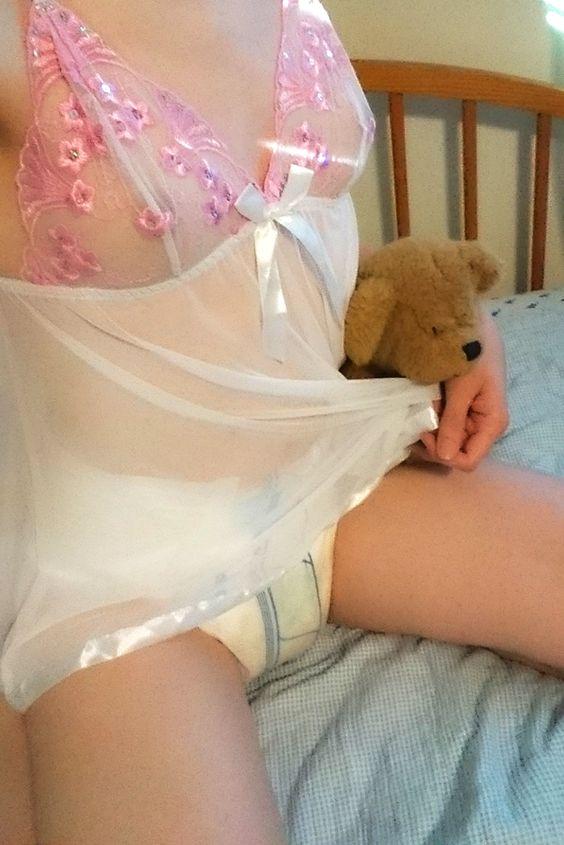 Sweet girls in diapers : Foto