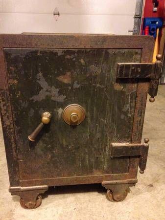 Antique Safe, Vintage bank