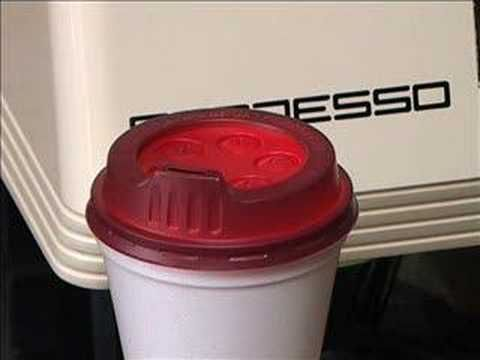 Hot Idea: Color Changing Coffee Lids ~ http://clrlv.rs/a9woMt