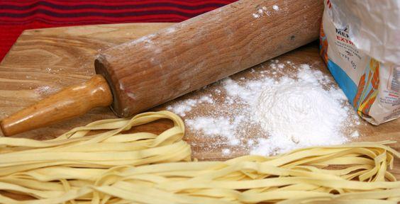 Pasta zum Selbermachen - Rezept-Tipp - Die TK erklärt dir, wie man Pasta ganz einfach selber macht.