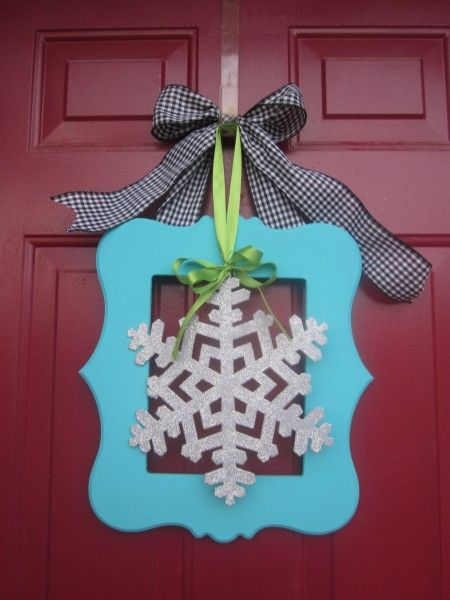 """Cut it out"" Frame door wreath"