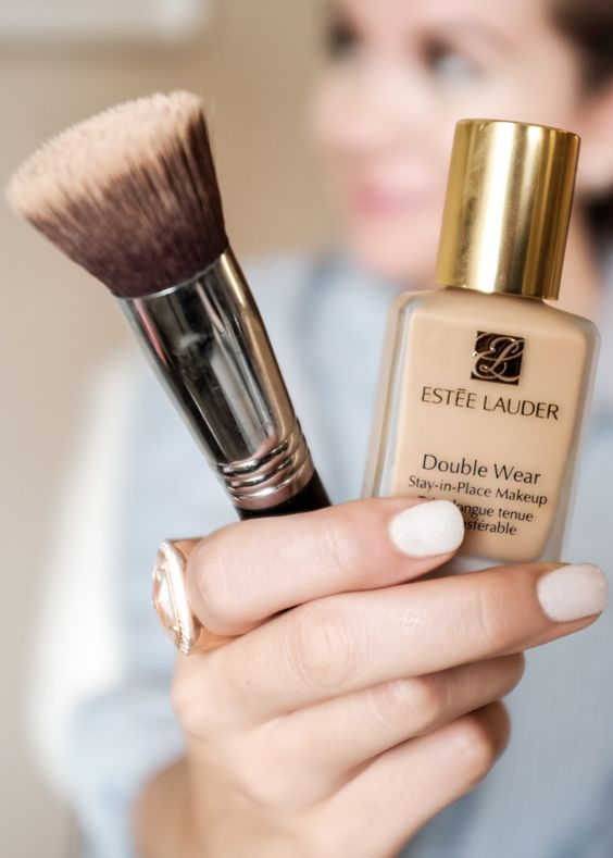 Double Wear Foundation Review & Tutorial