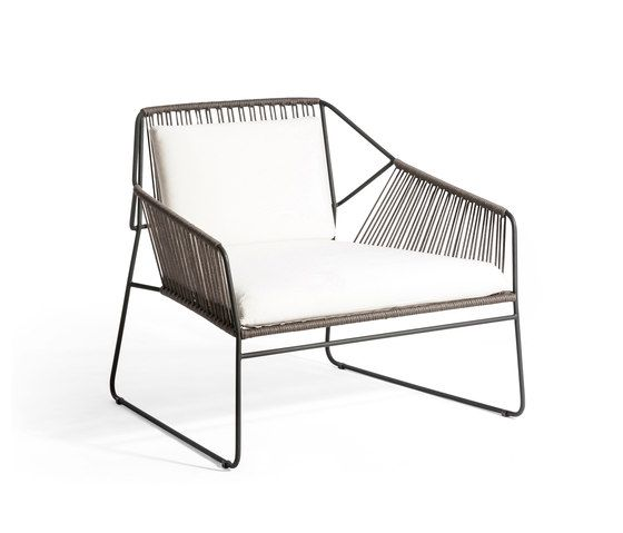 Gartensofas | Garten-Lounge | Sandur | Oasiq | Mark Gabbertas. Check it out on Architonic