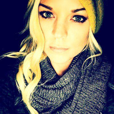 Kirsten Storms @teenystweeting | Twitter