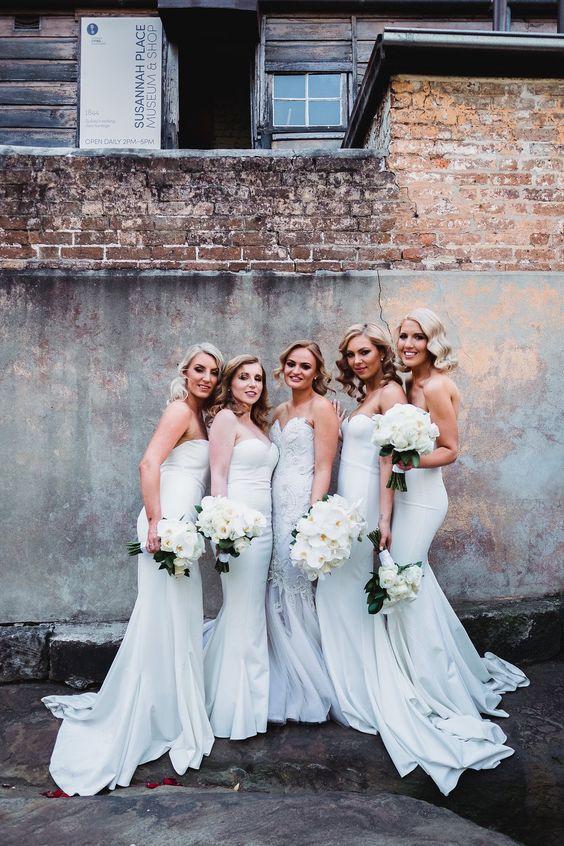 Elegant White Australia Wedding at the Shangri-La Hotel