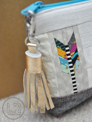 Arrow design is very trendy.  You can make this cute zipper pouch.