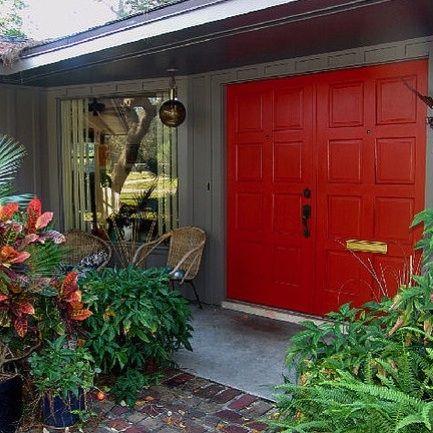 Paint a Door Using Porch Floor Enamel  - www.casasugar.com Z