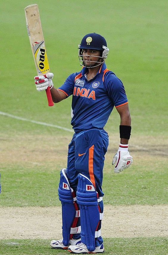 Unmukt Chand raises his bat upon reaching his century, Australia v India, ICC U-19 World Cup, final, Townsville, August 26, 2012