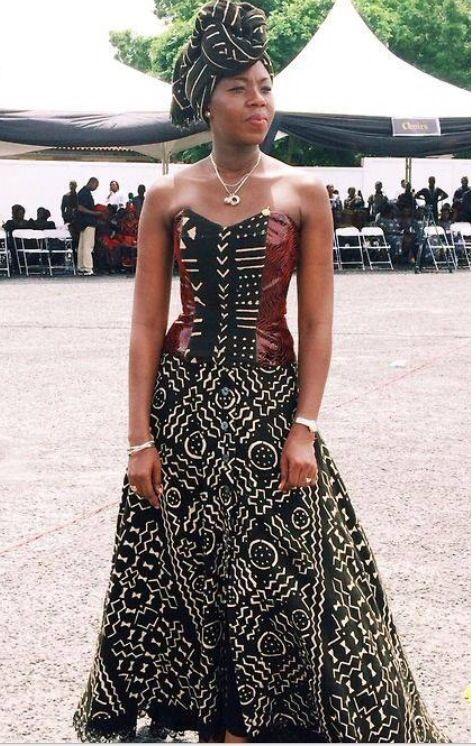 Gorgeous dress! #Africanfashion #AfricanClothing #Africanprints #Ethnicprints #Africangirls #africanTradition #BeautifulAfricanGirls #AfricanStyle #AfricanBeads #Gele #Kente #Ankara #Nigerianfashion #Ghanaianfashion #Kenyanfashion #Burundifashion #senegalesefashion #Swahilifashion DK: