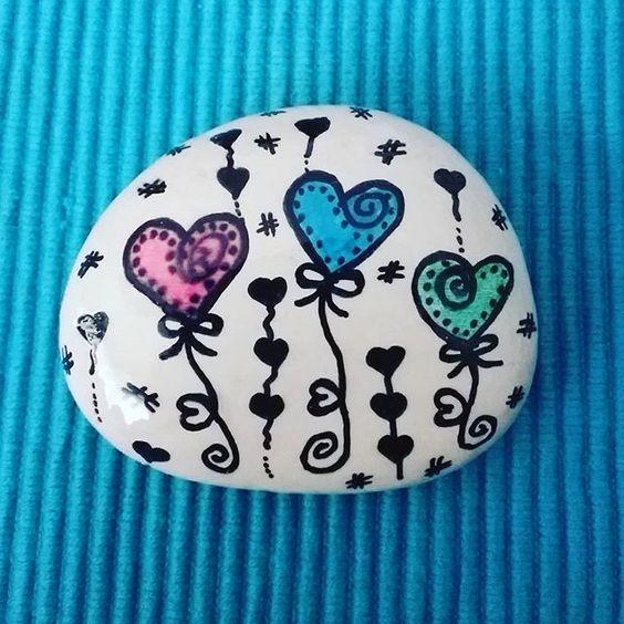 #tasboyama #taşboyama #tasboyamasanati #taşboyamasanatı #kendinyap #elisi #elişi#boya #boyama #akrilikboya #pebble #pebbleart #stone #paintedstone #diy #doityourself #handmade #handpainted #posca #edding #fabercastell #stabilo #pebblehouse #hobi #hobby #elsanatı #craft #rockpainting #stonepainting