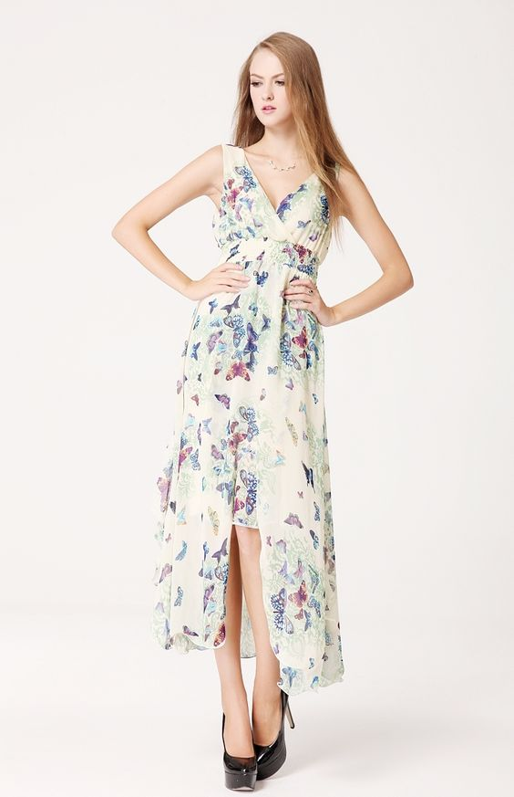 Mi-vestale, mi-gitane, papillonnez dans cette robe élégante toute en légèreté et en douceur pour une cérémonie ou une soirée d'été!