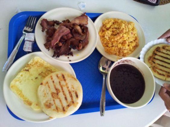 Un desayuno medio Criollo
