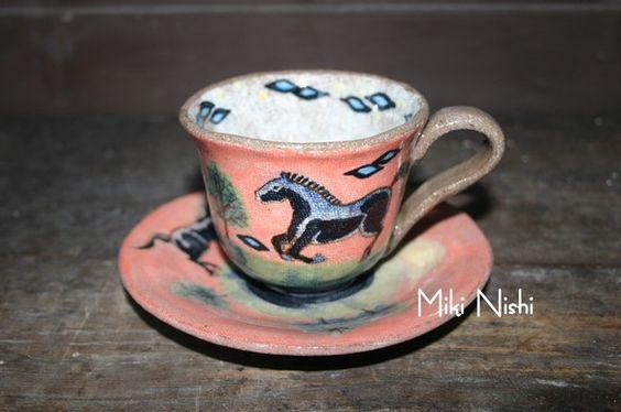 一点物の陶器の馬のコーヒーカップ&ソーサーカップ直径9×7㎝ 皿14.5㎝16,800円(税込)|ハンドメイド、手作り、手仕事品の通販・販売・購入ならCreema。