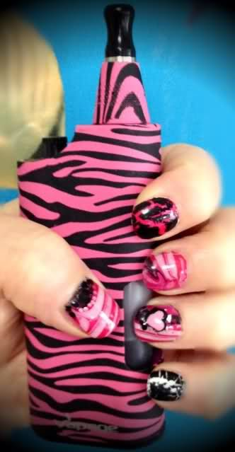 shout out to @Sarah Chintomby Revels! Thanks for posting your pic of your VMOD XL! PS: Love the #nailart