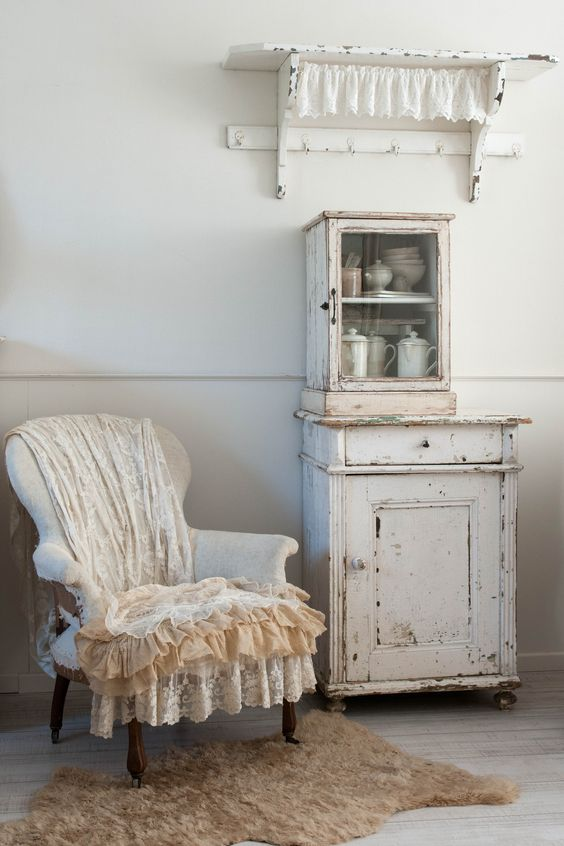 shabby chic k chenschr nke and b cherregale on pinterest. Black Bedroom Furniture Sets. Home Design Ideas