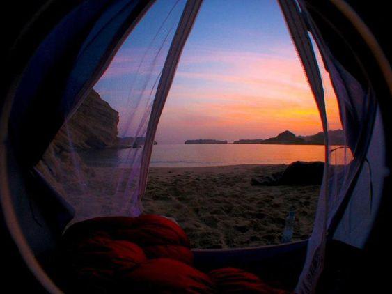 Ces vues du monde qui vous donneront envie de vous réveiller dans une tente