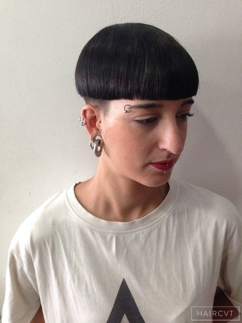 women undercut bowl hairstyle | Undercut Hairstyles in ...