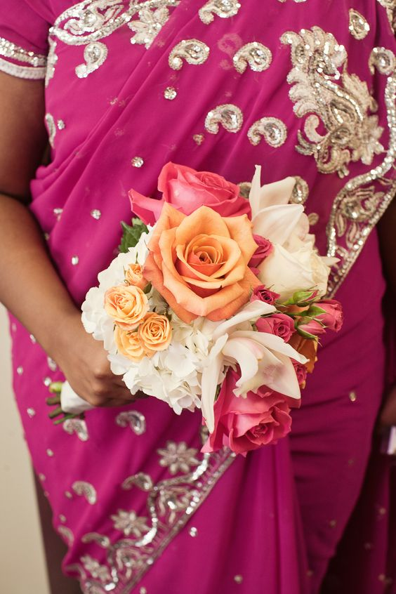 love the colors and the bouquet  www.experiencespecialist.com