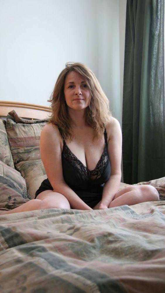 Nude sexy wife pics