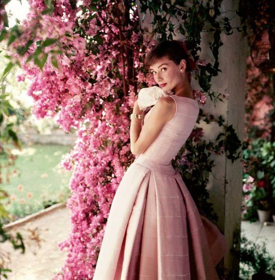 Одри Хепберн, 1955 год. Норман Паркинсон (Norman Parkinson) - мастер модной фотографии.