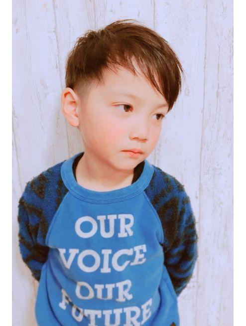 アムールマヤ キッズカット男の子 前髪アシメ メンズ ヘア