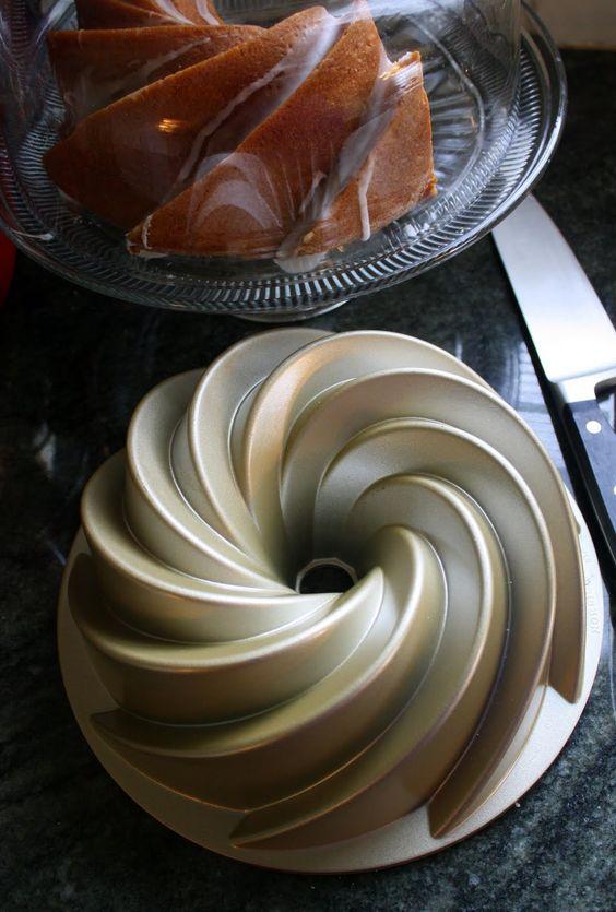 Jane's Sweets & Baking Journal: Vanilla Velvet Bundt Cake with White Rum Glaze . . .
