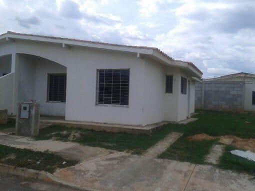 Foto Somos Bienes Raíces Ta Vende Casa en Urb. Las...