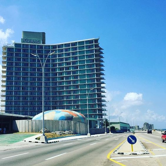 The famous Riviera hotel facing El Malecon. Have you ever been there? by cuba2day