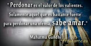 """""""Perdonar es él valor de los valientes. Solamente aquél qué es bastante fuerte para perdonar una ofensa, sabe amar"""". Mahatma Gandhi (1869-1947). #RealBeatle5_"""