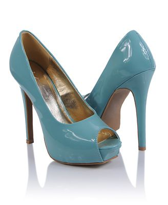 I'm a sucker for anything in mint. I wish it was a little more green, but who am I to complain? /swoon #shoes #pumps #forever21 $22.80