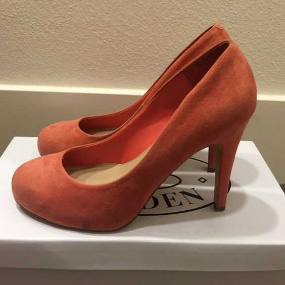 Steve Madden Coral Suede Pumps Barely wore. In good condition. Steve Madden Shoes Heels