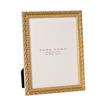 Frames mirrors living room belgium for a tiny for Mirror zara home