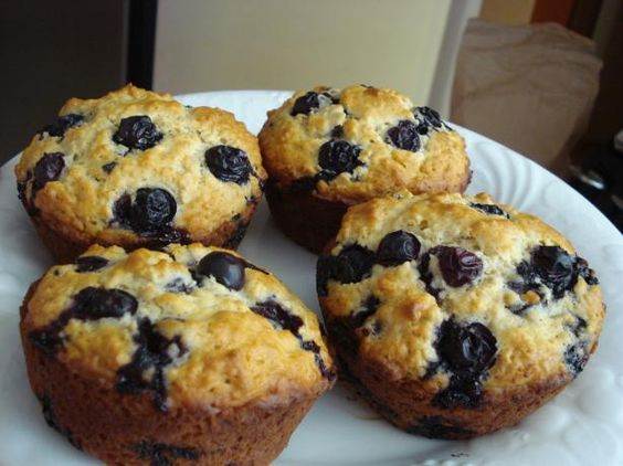 Blueberry oatmeal, Blueberry oatmeal muffins and Oatmeal muffins on ...