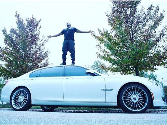 ‪#‎CelebTuesday‬ :- Ludacris & ‪#‎BMWAlphinaB7‬ American rapper,entrepreneur and actor Ludacris while sharing a photo of himself standing on top of his ‪#‎WhiteBMWAlphinaB7‬ captioned that it is his 2nd Favorite Car.He added that maybe it's because of the sweet leather interior, or the sporty exterior, with a trunk-edge spoiler.It comes with 540 HP and a very impressive 730 Nm (538 lb-ft) of torque, helping it reach 100 km/h (62 mph) in 4.6 seconds. ‪#‎BMWPlatinoClassiccochin‬ ‪#BmwAlphinaB7
