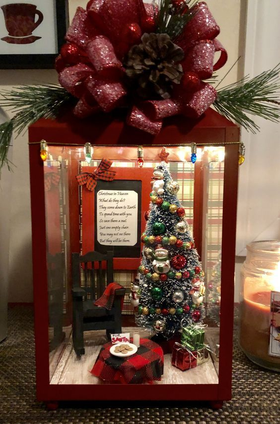 26 Economical And Inexpensive Christmas Centerpieces Ideas Christmas Decorations Diy Outdoor Lantern Christmas Decor Christmas Lanterns
