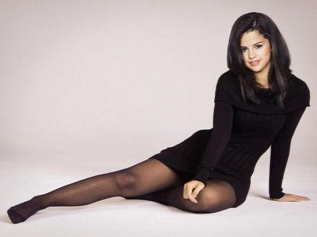 Selena Gomez | tights | Pinterest | Wallpapers, Selena ...