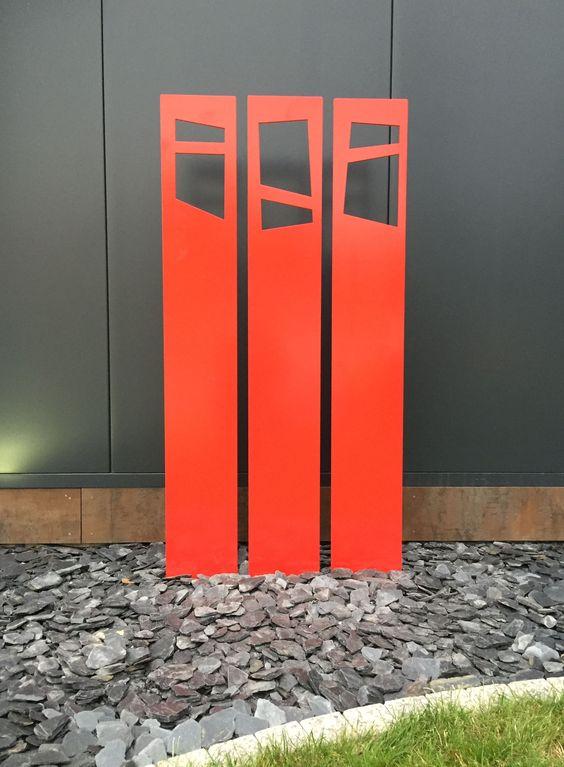 OSAS Trio, 3 Stelen mit Grundplatte verschweißt, oder als einzelne Stelen bieten als Zaun oder Sichtschutzelemente oder als Kunstobjekt eine ganz besondere Optik.