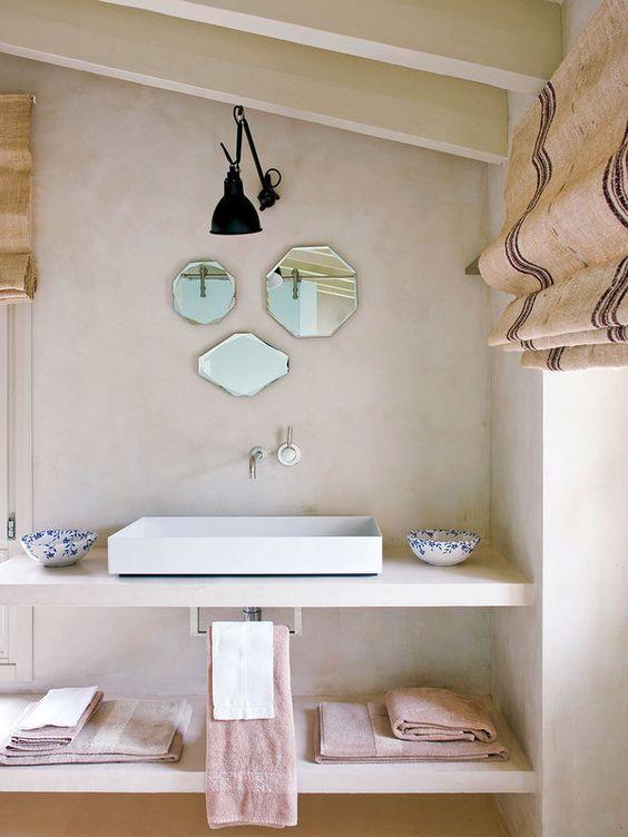 Jurnal de design interior: Un vechi hambar transformat în casă de vacanță își păstrează farmecul rustic într-o manieră modernă