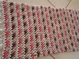 Resultado de imagem para tapetes de croche duas cores 3d