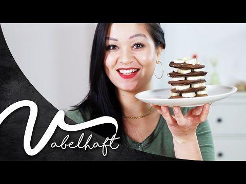 CHOCOLATE PROTEIN PANCAKES ♥ vegan & glutenfree II Vabelhaft - YouTube
