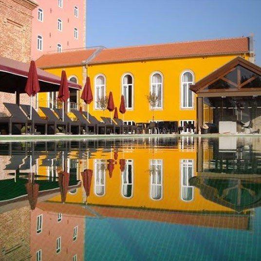 World's Best Hotels: Porto, Portugal. It's a palace. PESTANA PALÁCIO DO FREIXO – POUSADA & NATIONAL MONUMENT http://burkerabe.com