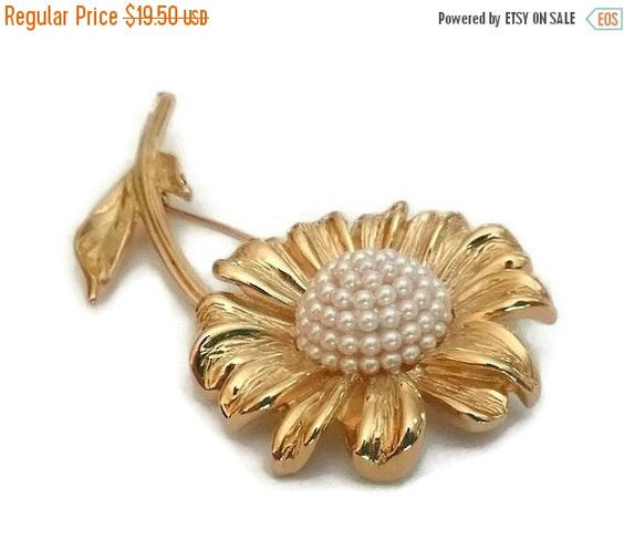 SALE Vintage Daisy Brooch Domed Seed Pearl by PopcornVintageByTann