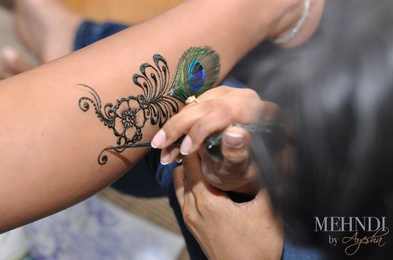 peacock feather henna...this is what you should have looked like.